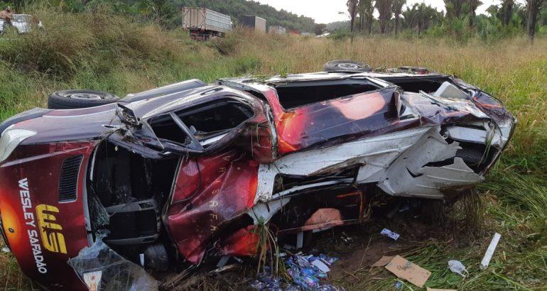 Acidente com van do cantor Wesley Safadão deixa um ferido