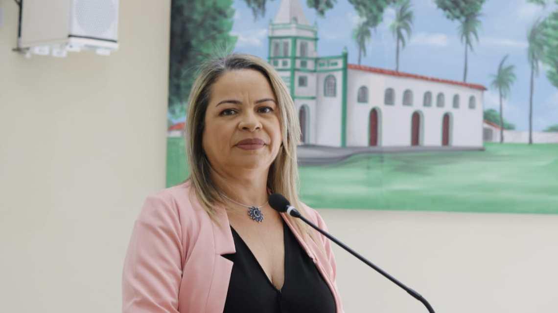 Vereadora Hellen Maravilha fiscaliza escolas da rede municipal de educação de Cururupu e detecta falta de merenda escolar
