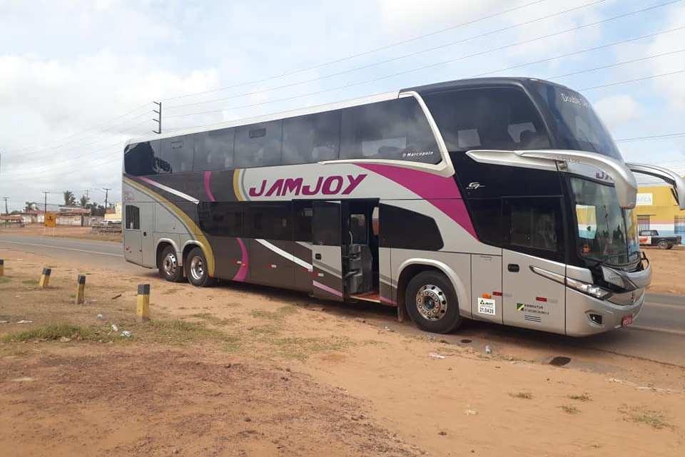 Bandidos assaltam ônibus e deixam duas pessoas mortas em Zé Doca.