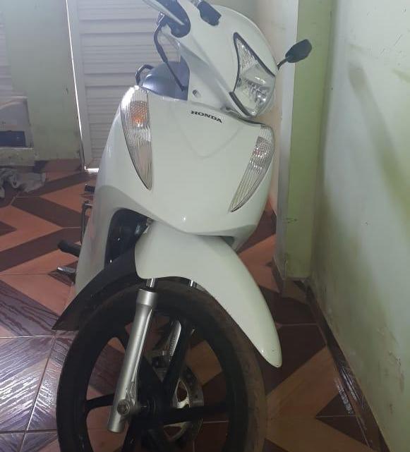 Proprietária faz apelo para encontrar motocicleta tomada de assalto na última segunda-feira (02), em Pinheiro