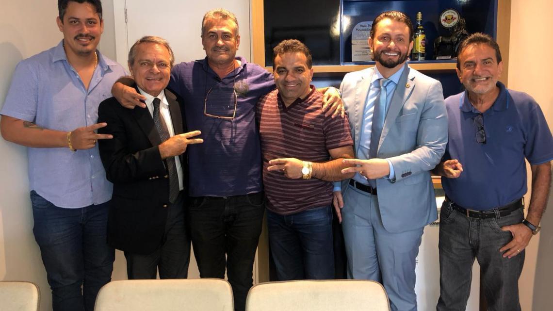 Leonardo Sá e Josimar de Maranhãozinho anunciam filiação do prefeito de Palmeirândia ao PL