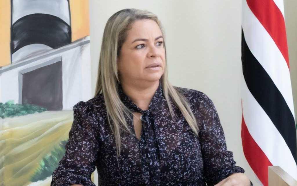Vereadora Hellen Maravilha repudia ato de desrespeito praticado por servidor da prefeitura de Cururupu-Ma