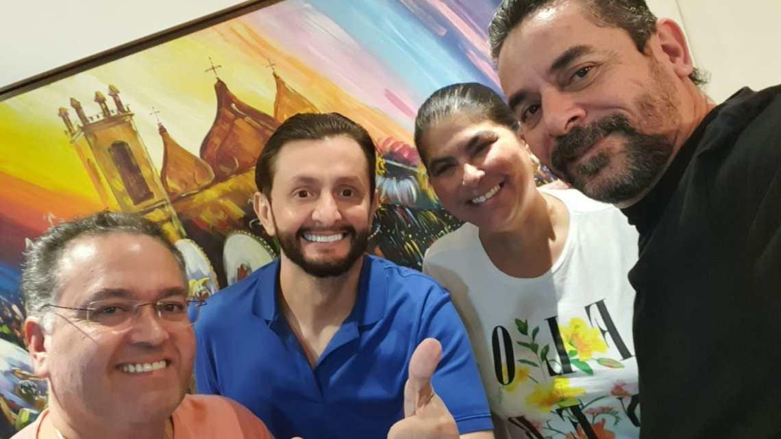 A pedido do deputado Dr Leonardo Sá, Senador Roberto Rocha libera quatro ambulâncias para o município de Pinheiro