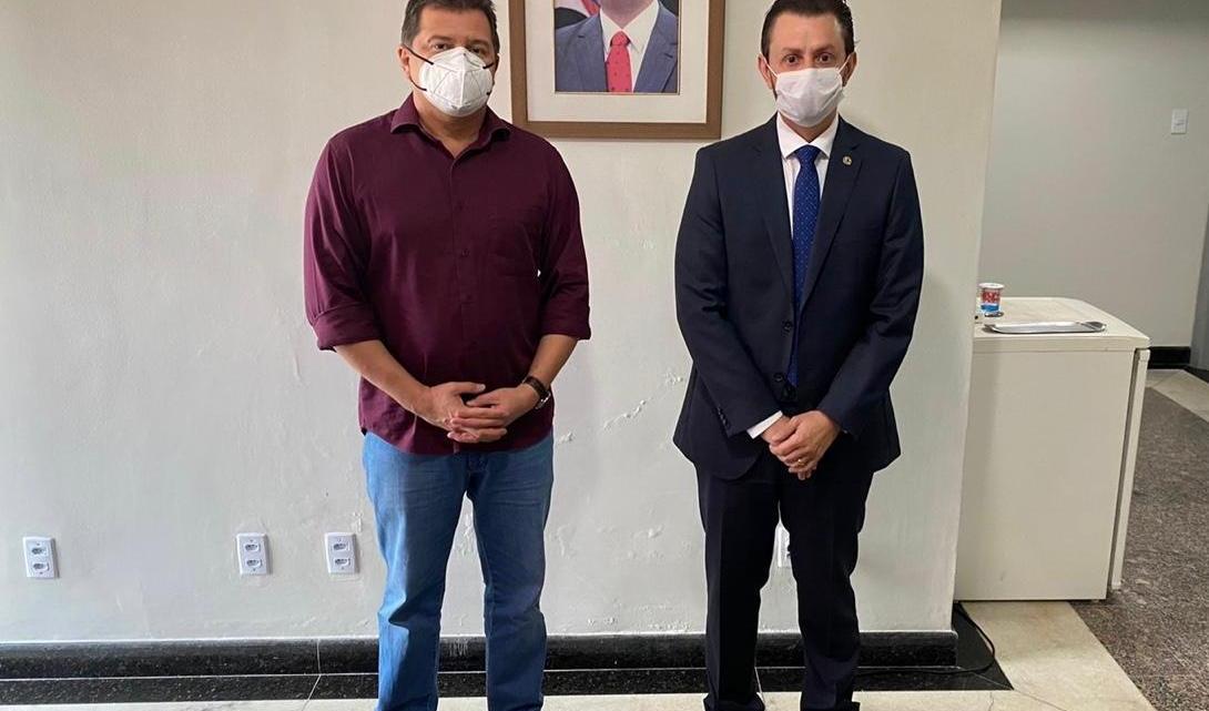 Leonardo Sá reúne-se com Simplício Araújo na capital Maranhense