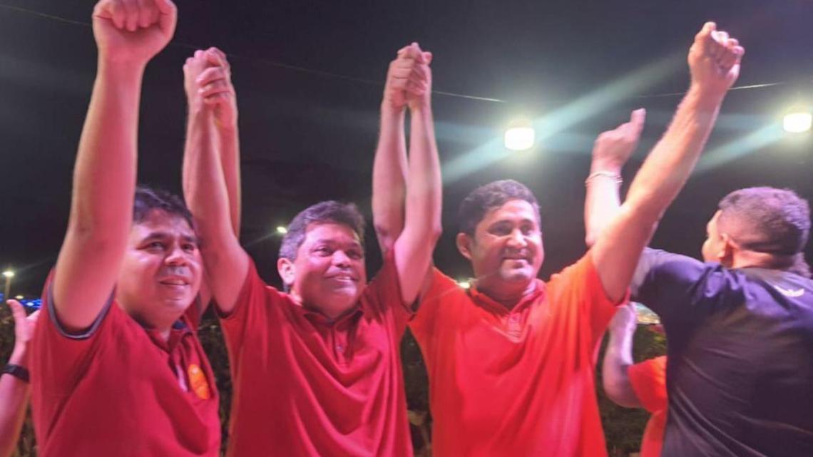 Toca Serra e Fábio Mendes reúnem multidão no povoado Santa Tereza e confirmam favoritismo em Pedro do Rosário