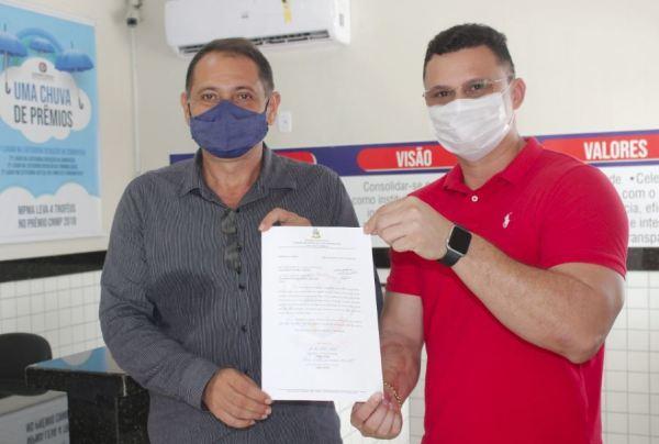 Santa Helena – Vereadores Mourinho Lobato e Braz Amaral, recorrem ao ministério público para resolver problema do aparelho de raio X do hospital SH
