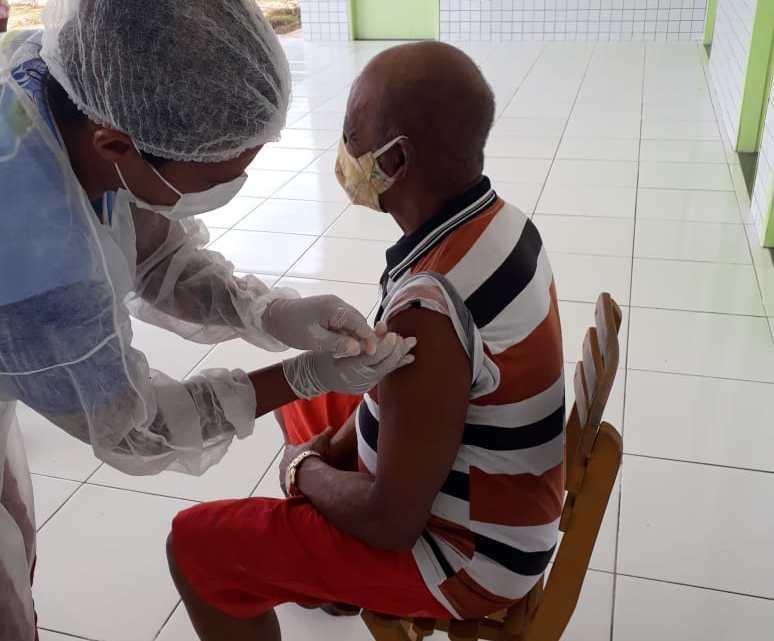 Prefeitura de Serrano do Maranhão através da Secretaria Municipal de saúde, segue imunizando idosos nas comunidades quilombolas e sede do Município