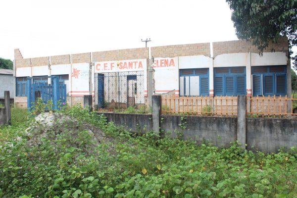 Santa Helena – Obra de reforma da escola do povoado Mangabeira está abandonada pelo governo Zezildo a mais de um ano, alunos estudam em residência improvisada