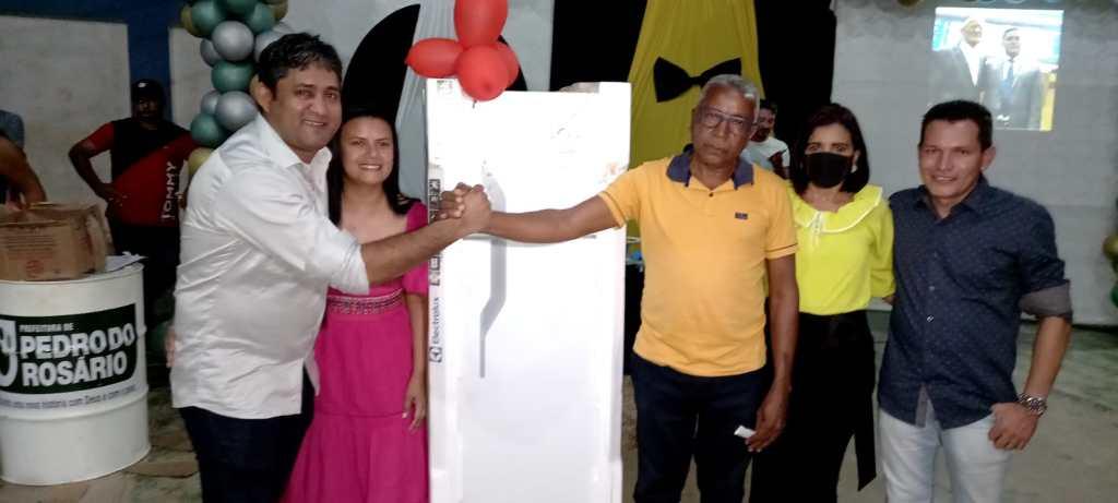 Prefeitura de Pedro do Rosário realiza show de prêmios em homenagem ao dia dos Pais