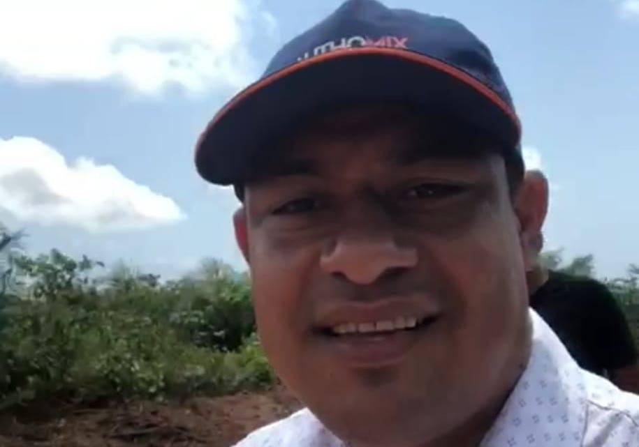 Prefeito Aldo Brown acompanha serviços de recuperação de estradas vicinais do Município de Porto Rico