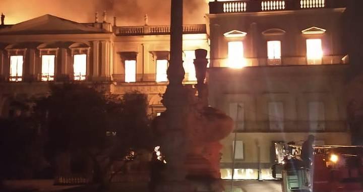 Museu Nacional: um incêndio e muitos culpados