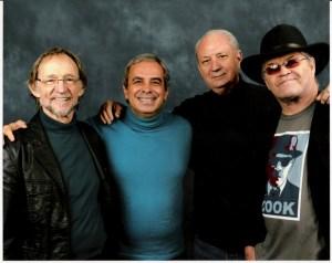 O autor e os três Monkees vivos: Peter, Mike e Micky