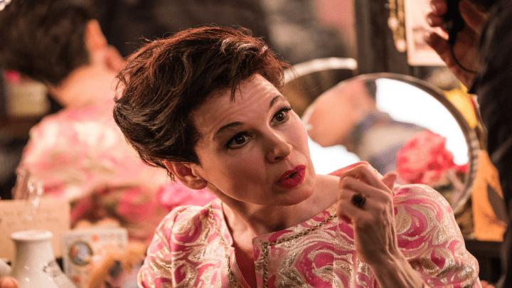 Renee Zellweger está irreconhecível como Judy Garland em 'Judy'