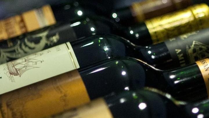 Saiba como evitar comprar vinhos falsificados e conheça Mendoza