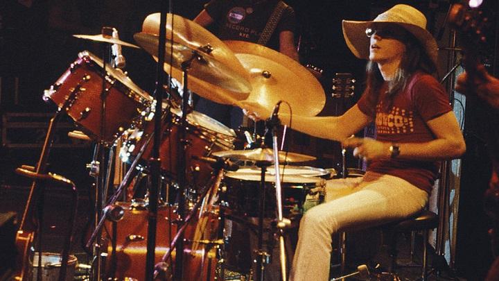 Morre o baterista Jamie Oldaker, aos 68 anos