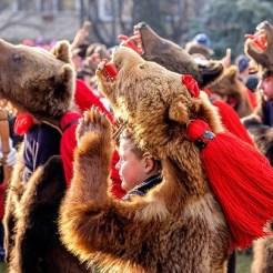 Dança Ursos Romênia destaque