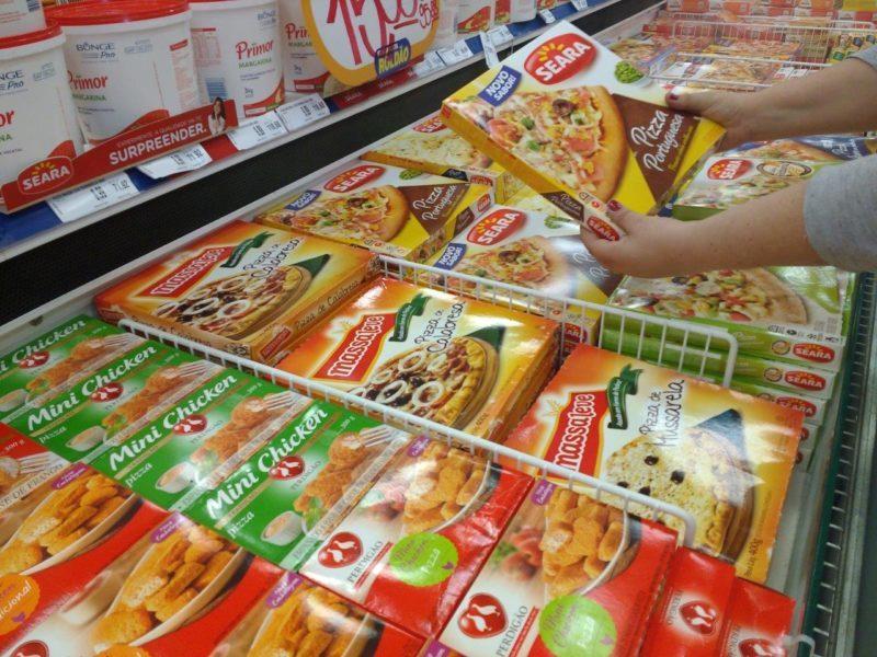 Vendas dos supermercados acumulam alta de 1,21%
