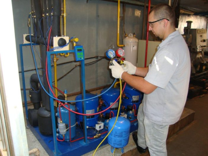 Retrofit do R-22 com o fluido refrigerante Freon MO99