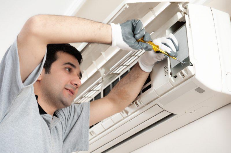Instaladora contrata técnicos em ar condicionado