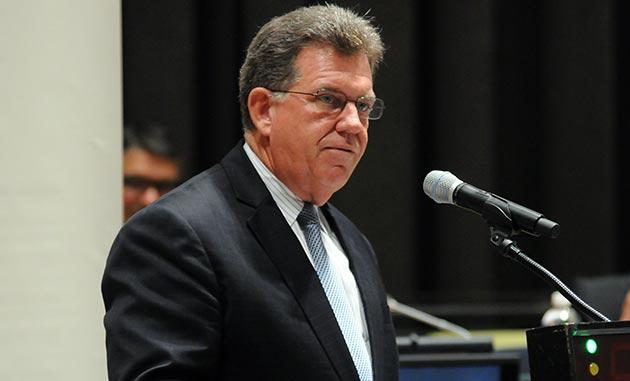 Kevin Fay, membro da Aliança para a Política Atmosférica Responsável