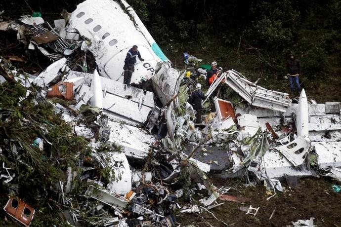 FOTOS IMAGENS-IML finaliza identificação dos corpos das vítimas da tragédia da Chapecoense-Corpos das vítimas do desastre aéreo devem chegar na madrugada de sexta-feira em Chapecó