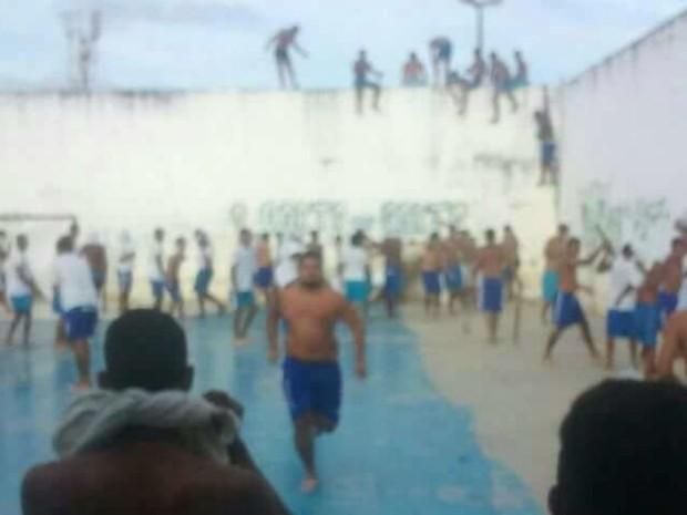 FOTOS IMAGENS-Rebelião em Alcaçuz é de grande proporções-