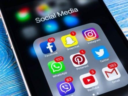 BOLHA DIGITAL: A ilusão virtual da aceitação nas redes sociais