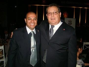 """Coronel Dutra ao lado de """"Dr. Viola"""", membro Comitê de Ética do Corinthians"""