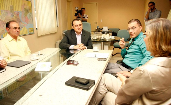 Jeancarlo e Albert Dickson decidem por programa na TV Câmara