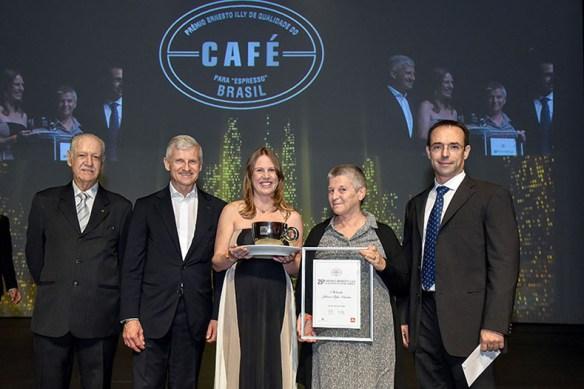 A boa performance dos produtores mineiros não é novidade. No 25º Prêmio, divulgado no ano passado, a campeã foi uma mineira, Juliana Armelin.
