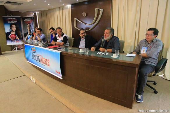 Vicente Serejo contou aos participantes a origem dos grupos políticos que comandam a máquina pública atual no RN