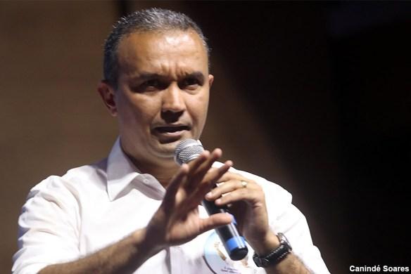 Kelps saiu de candidatura solitária de 29 mil votos em 2010 para 37 candidatos e 120 mil votos de deputados estaduais (foto Canindé Soares)