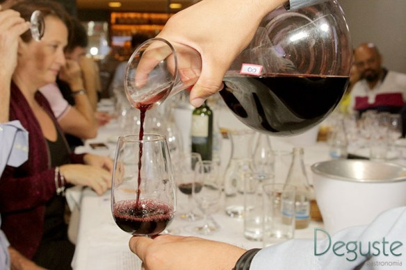 O vinho é um excelente presente na época de Natal.