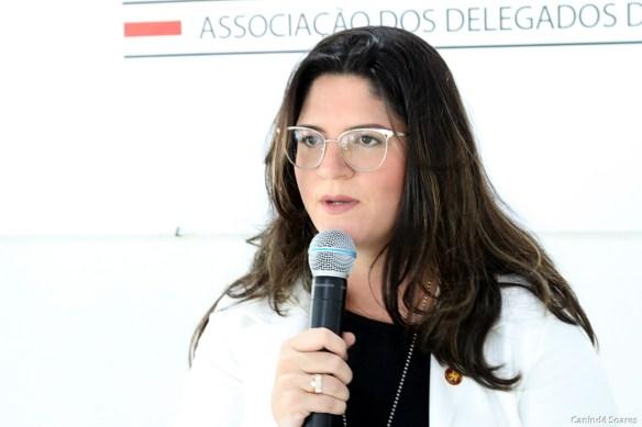 Delegada Taís Aires é a nova presidente da Adepol