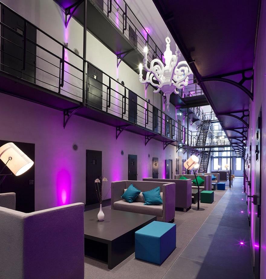 Dormir em uma prisão deve ser ruim – não no Hotel Het Arresthuis, na Holanda.