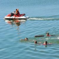 Bombeiros capturam homem no lago de palmas tocantins