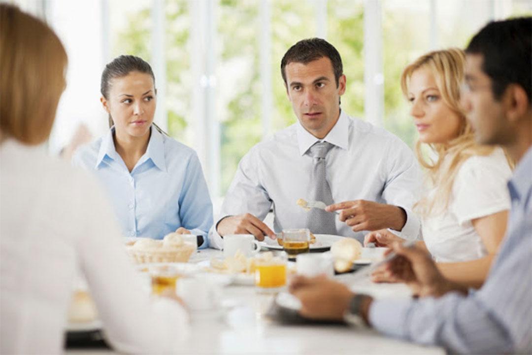 5 reglas para almorzar en el trabajo