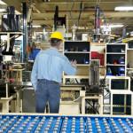 travailleur-usine-emplois-industrie