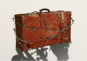 Foto exposición refugiados 11 vidas en 11 maletas
