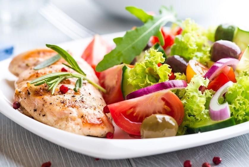 Alimentação adequada e saudável aumenta a imunidade e pode prevenir doenças
