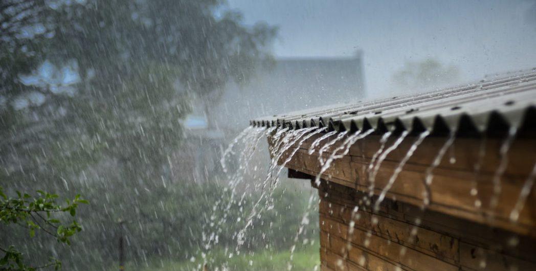 Mer regn og mer overvann skaper problemer for vann- og avløpsnett i norske byer. Illustrasjonsfoto: Thinkstock.