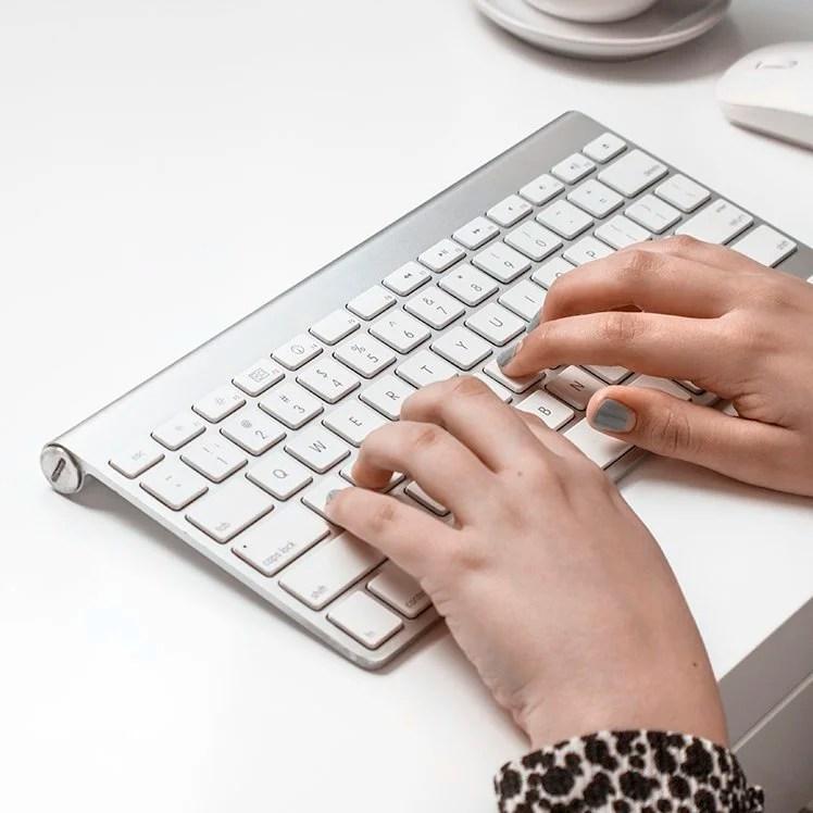 Facebookside eller Facebookgruppe - hva er best for deg og din blogg? Her får du vite forskjellene, og tips til hvordan du finner ut hva du skal ha.