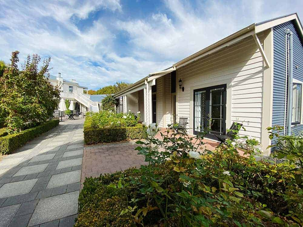 Martinborough Hotel garden and suites