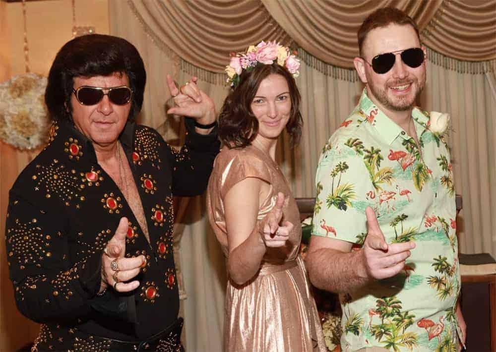 Terrible Elvis Presley lookalike at an Elvis wedding Las Vegas