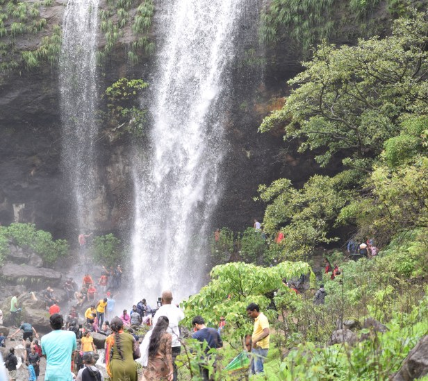 Best waterfalls location to visit in pune mansoon Khandi Waterfall Pune best places to visit in Mansoon.