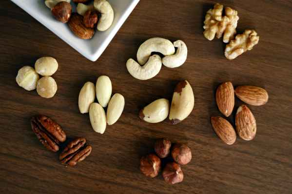 nuts and their health advantages