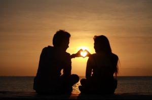 cerpen kisah cinta pertamaku
