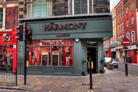 "<img src=""Harmony.jpg"" alt=""Harmony Store"">"