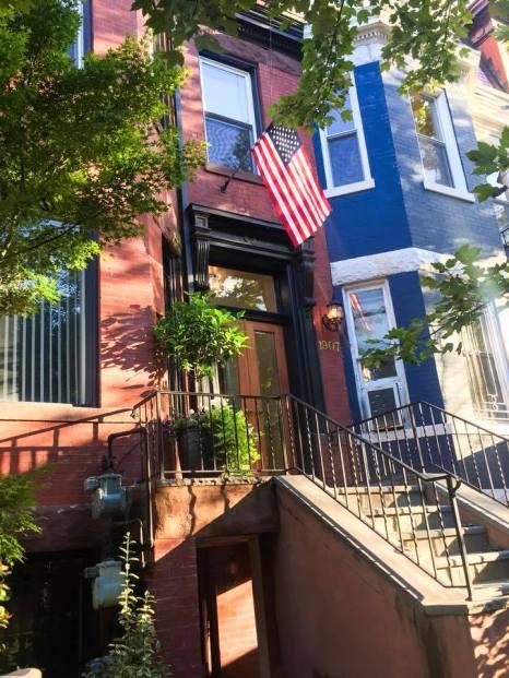 "<img src=""WashingtonDCstreets.jpg"" alt=""Washington DC American Flag""/>"