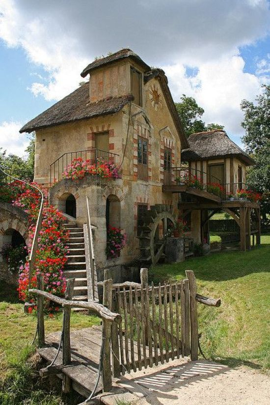10 Dream Houses Around The World You Need To See